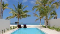 Grand Beach Villa with pool