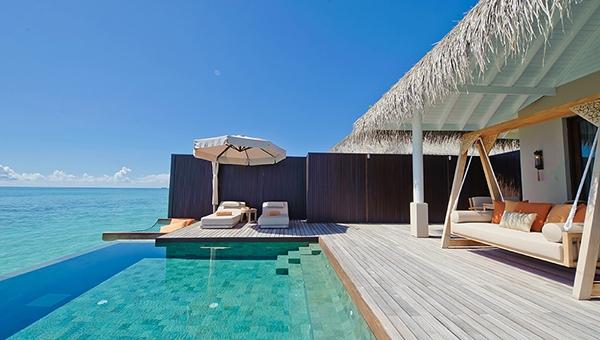 Sunset Lagoon Suite