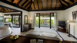 One Bedroom Beach Suite with Private Pool