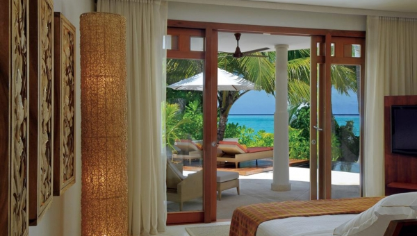 Constance Halaveli Resort