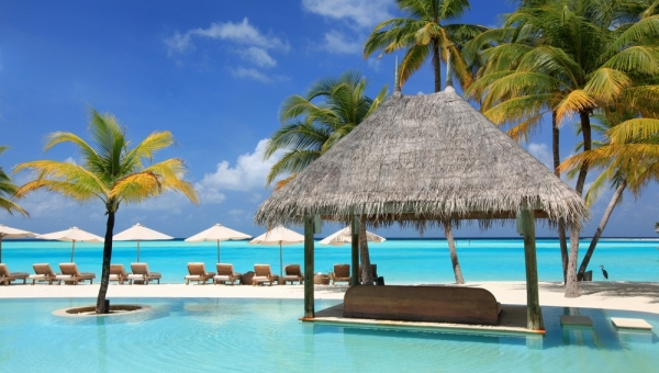 Gili Lankanfushi Resort - Main Pool