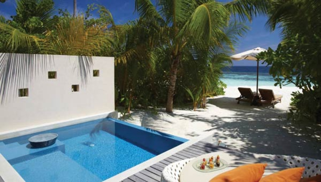 Deluxe Beach Bungalow with Plunge Pool