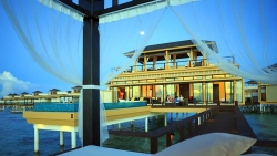 InOcean Sunrise Pool Villa with Sala