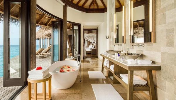 Como Villa bathroom