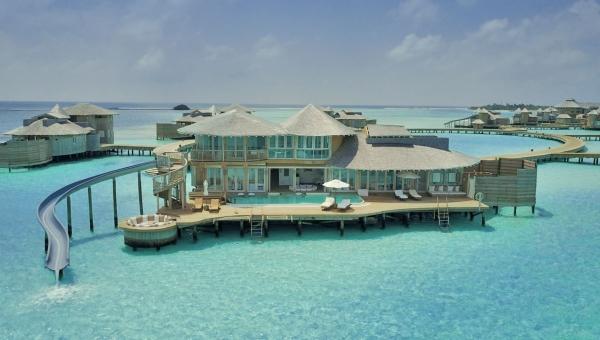 https://www.zeldivaluxury.com//resort-photos/med/1 bedroom water retreat_2117-2-SonevaJaniResort1BedroomWaterRetreat1BedroomWaterRetreat-fbde5157e19873bec25c5745fa2a61bd1.jpg