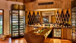 Shoreline Grill Wine Room:
