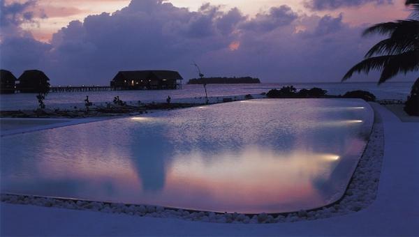 Cocoa Island Infinity Pool