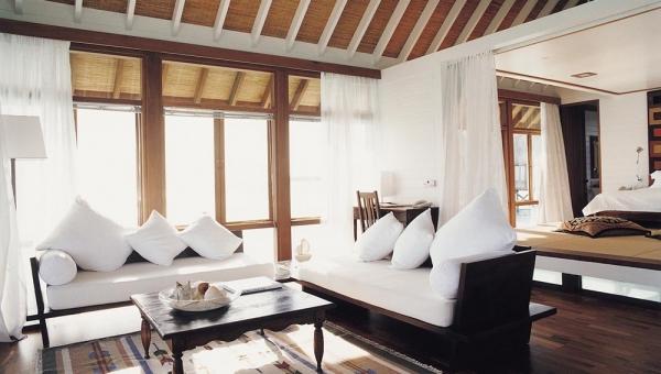 One-Bedroom Villa Livingroom