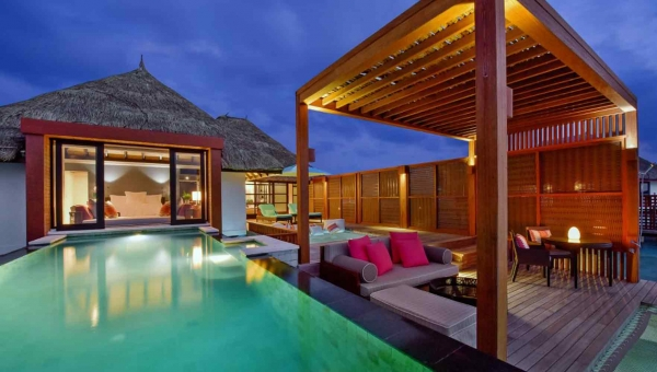SUNSET WATER BUNGALOW WITH POOL