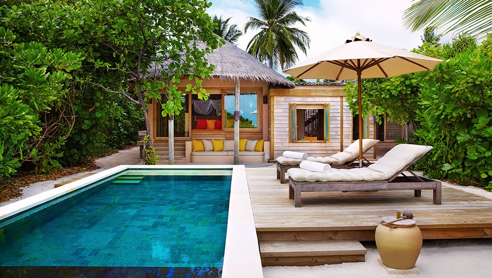 Family Villa with Pool Exterior