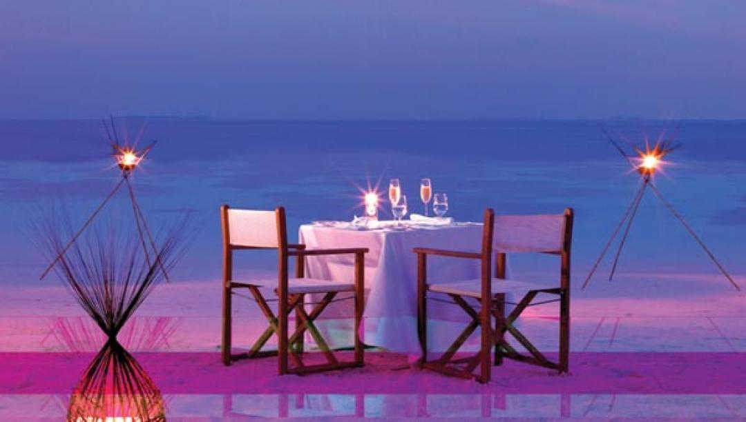 DINE IN SPLENDOR AT BAROS MALDIVES