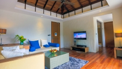 Deluxe Sunset Beach Villa with Pool