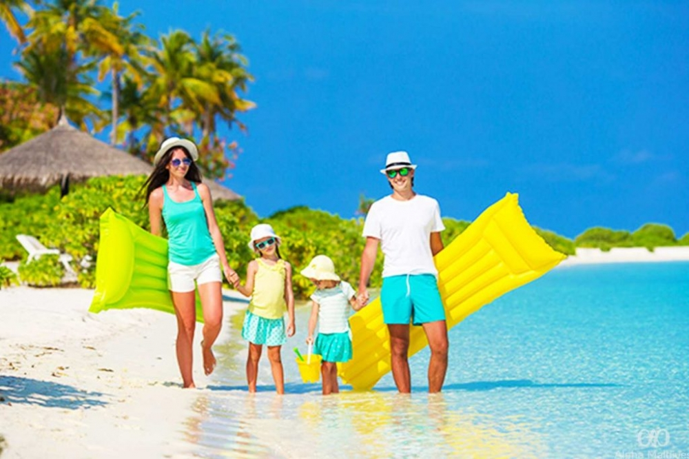 All you need to know when planning your family holidays in the Maldives - treat your family and kids to a luxury family holidays